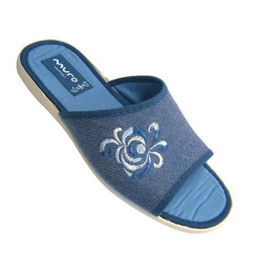 Women flip flops and open toe heel with embroidery on one side Muro in jeans