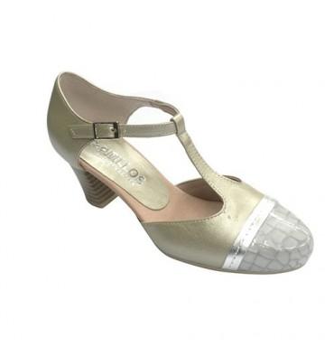 Zapato mujer cerrado abierto en los lados punta serpiente Pitillos en metalizado