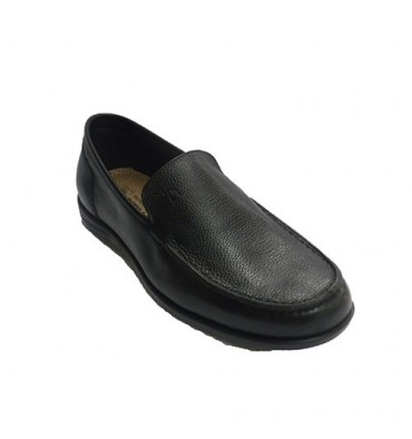 Soft and comfortable loafer man Pitillos in black