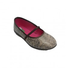 Woman shoe with rubber stamping on fabric vamp Alberola in toasted