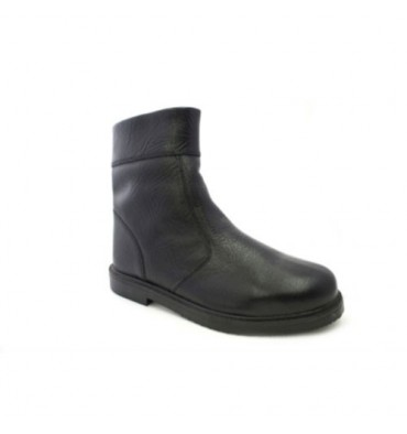 Comfortable rubber-soled boot Danka in black