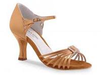 Zapato de señora con hebilla
